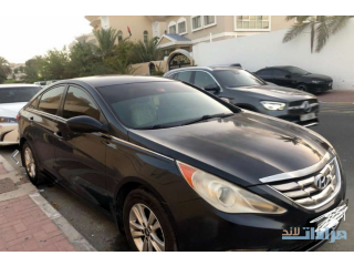 Hyundai sonata 2011 mid option like new car orignal pint