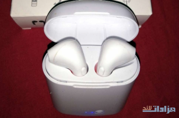 selling-airpods-big-2