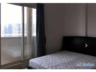 ! شقة 700 قدم مقروشة جاهزة على شارع الشيخ زايد الرئيسي مارينا امام المترو مباشرة ترى البحر فقط 600
