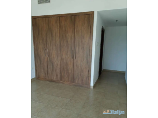 For sale a spacious flat 2 bedrooms in a sports city Dubai, Price 760000 Negotiable