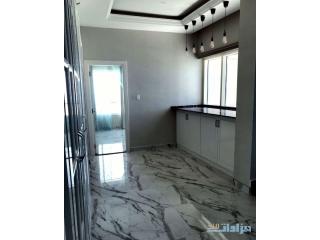 شقة محدثة ومطورة في جزيرة الريم من المالك مباشرة From the owner Apartment for sale in Al Reem I