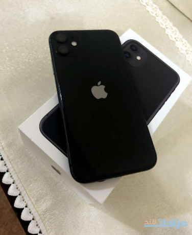 iphone-11-64gb-with-free-airpods-big-0
