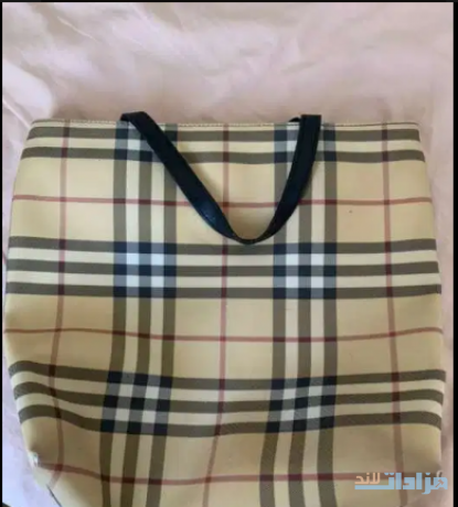 original-burberry-hand-bag-big-1