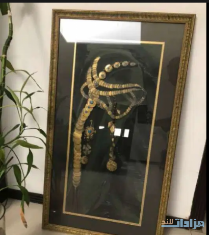 hand-made-with-the-heavy-gold-frame-big-0
