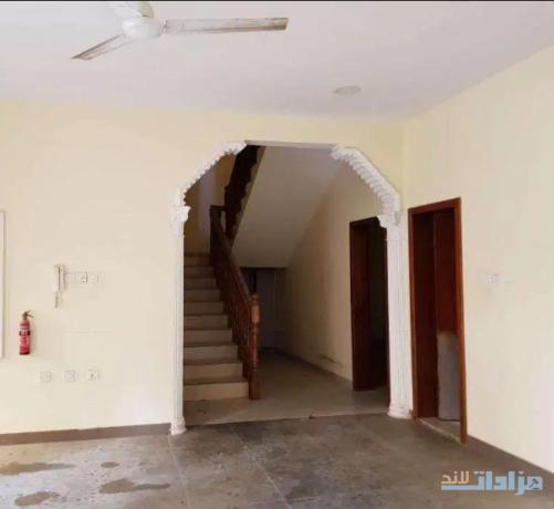 6-bed-room-villa-for-sale-in-hoora-big-4