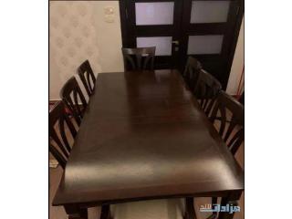 طاولة سفرة مع 8 كراسي +بوففيه للبيع
