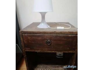 طاولة جانبية عدد 2 و كومودينة جوارير انتيك لون بني خشب