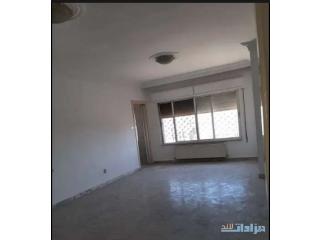 شقة للبيع بين الرابية والشميسانى 155م طابق ثانى مدخلين للشقة مطله