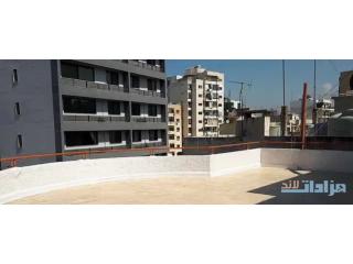 شقة للبيع في عين الرمانة شارع الصنوبرة -غندور سمعان مع تراس