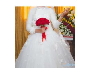 فستان زفاف+فستان خطوبة