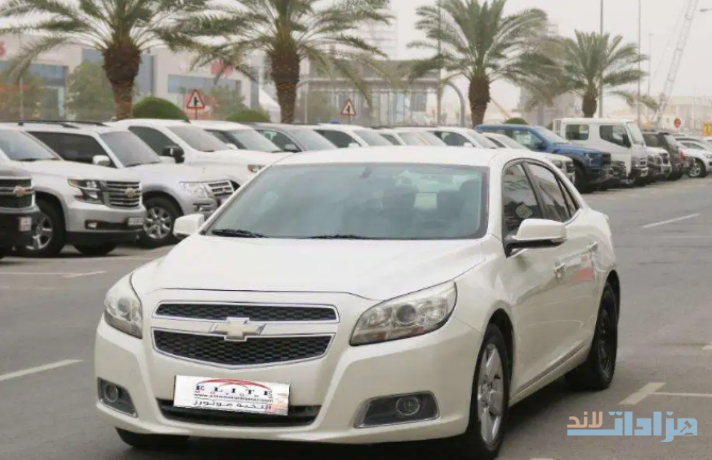 chevrolet-malibu-fwd-model-2013-big-0