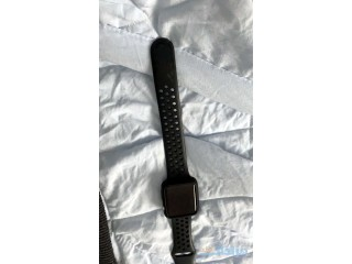 Apple watch s3 42mm with straps and 2charger and case