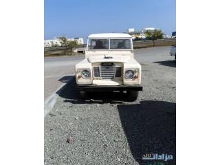 لاندروفر كلاسك للبيع متواجد في عمان للتواصل