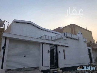 فيلا للبيع في حي ظهرة لبن في الرياض