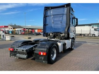 شاحنة مرسيدس اكتروس للبيع بمواصفات دولية