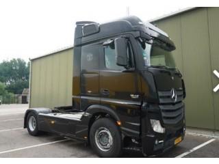 شاحنه مرسيدس اكتروس1842 (2*4) mp4للبيع بحالة نادرة