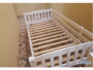 عدد اثنين سرير ابيض من هوم سنتر للبيع