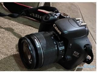 للبيع كاميرا كانون الاحترافيه 550D