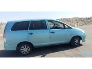 السيارة انوفا 2009